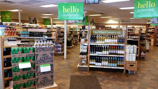 LCBO, 47 Champlain St, Deep River, ON K0J 1P0, Canada, Liquor Store, state Ontario