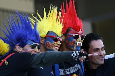 болельщики Red Bull с ирокезами на Гран-при США 2012
