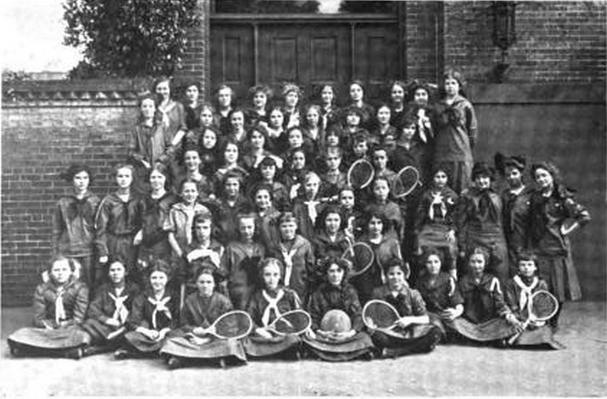 Girl Scouts Sports - Images from the collection of Dr. Naomi Yavneh - Girl Scout Handbook 1916:  DaisyLow.com Website designed in Memory of Eileen Alma Klos (1929-1974)