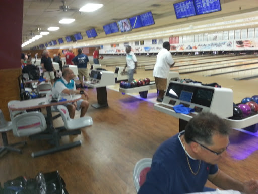 Bowling Alley «Break Point Alley», reviews and photos, 1950 Classique Ln, Tavares, FL 32778, USA