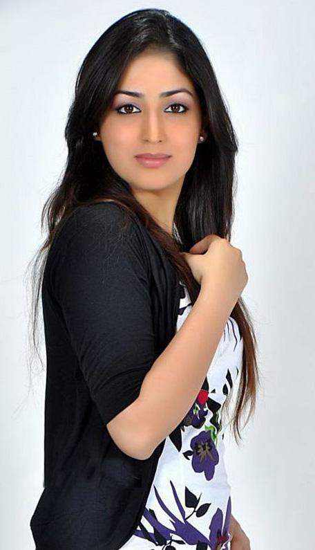 Hindi actress bikini photo