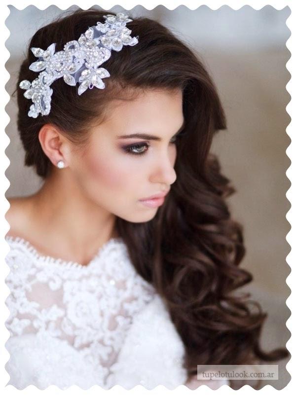 Peinados de novia pelo corto rizado