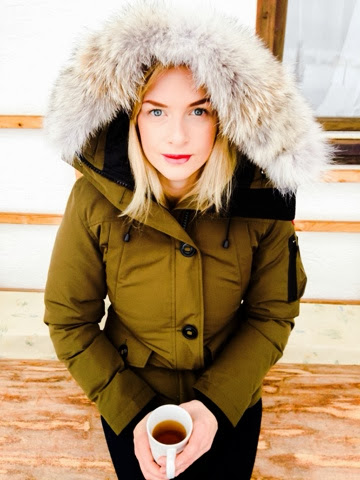 k-fashion-clothing-green-canada-goose-outfit