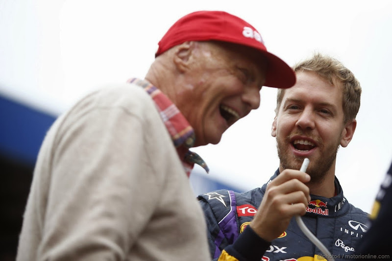 Ники Лауда и Себастьян Феттель смеются на Гран-при Бразилии 2013