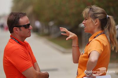 Рубенс Баррикелло и Мариана Беккер с бразильского TV Globo на Гран-при Бахрейна 2013