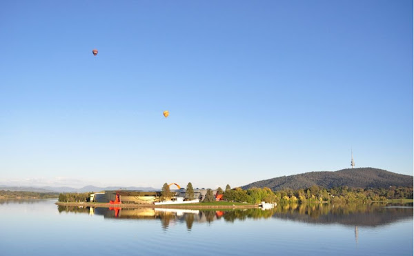 lake burley griffin telstrayama and balloons