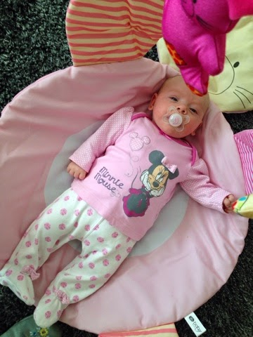 Rosalie's 9th Week of life - See what Rosalie got up to at 9 weeks old.