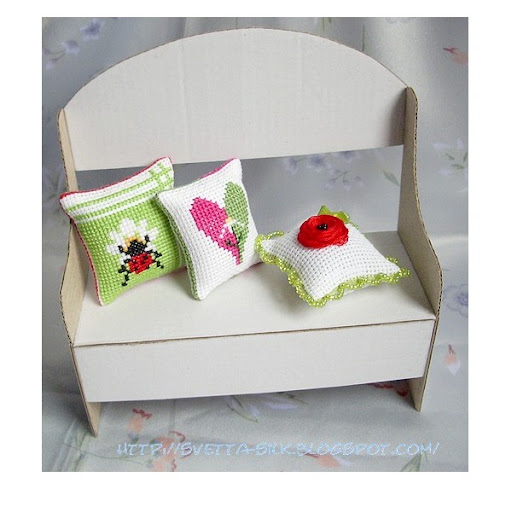 Скамейка для кукол из картона