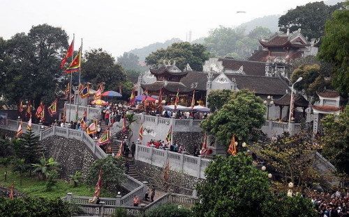 Những bài thơ viết về khu di tích Đền Cửa Ông - Quảng Ninh
