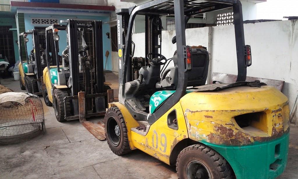 xe nang komatsu diesel 3 tan