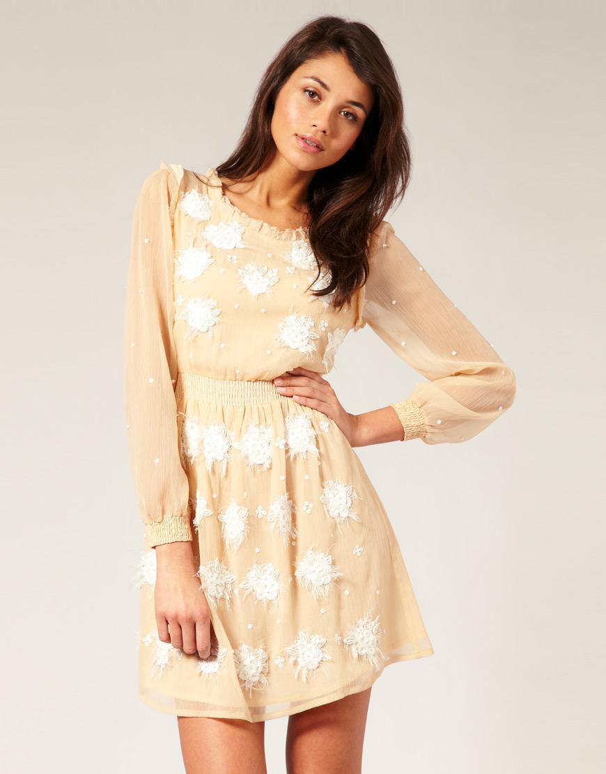 Платья с длинными рукавами из шелка