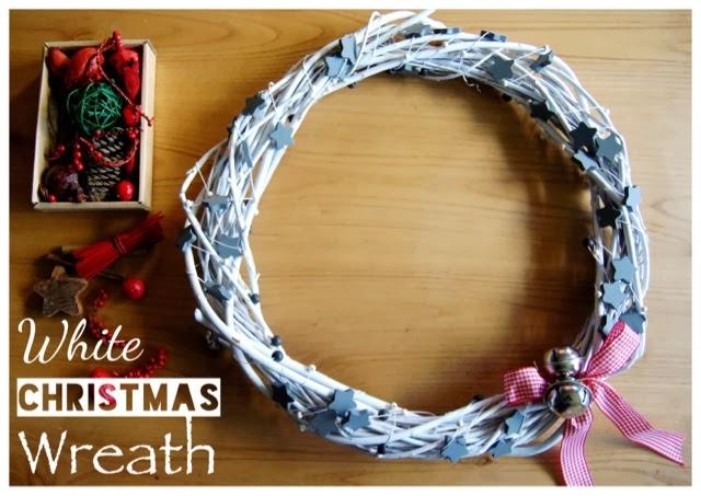 http://sosunnyblog.blogspot.com.es/2013/12/diy-corona-de-navidad-en-blanco.html