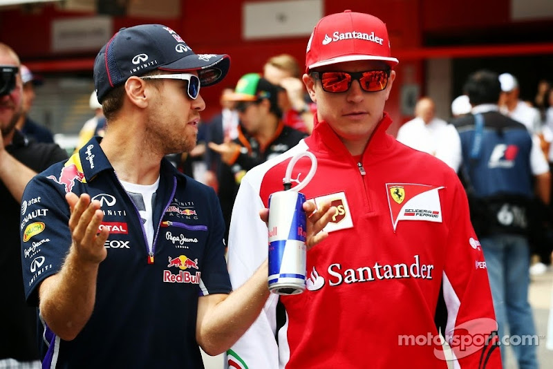 Себастьян Феттель и Кими Райкконен на параде пилотов Гран-при Испании 2014