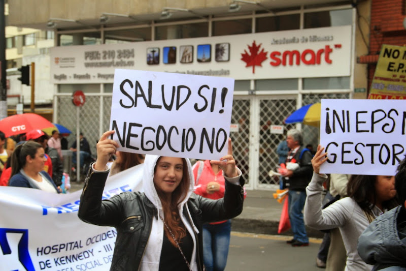 Anthoc intenta atajar la alianza Santos-Uribe para recapitalizar a las EPS