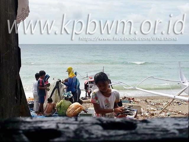 aktivitas nelayan pantai somba majene