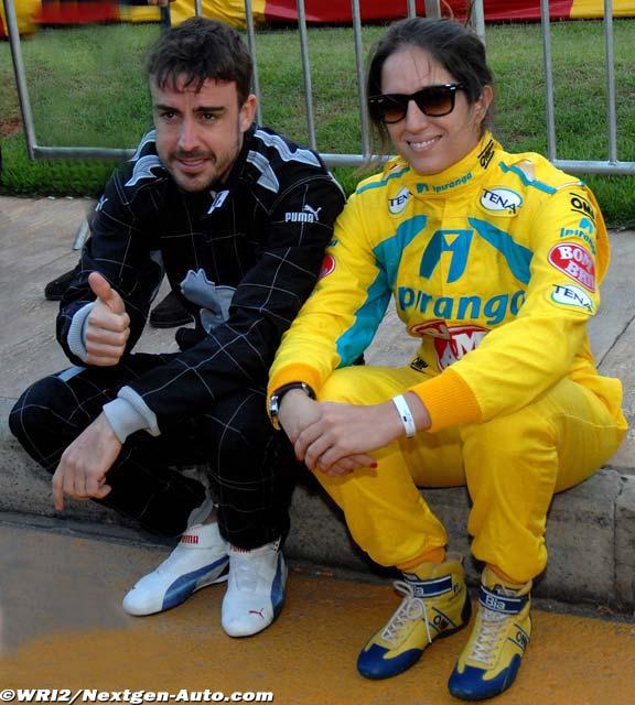 Фернандо Алонсо и Биа Фигейредо на картинговой гонке во Флорианополисе - январь 2013