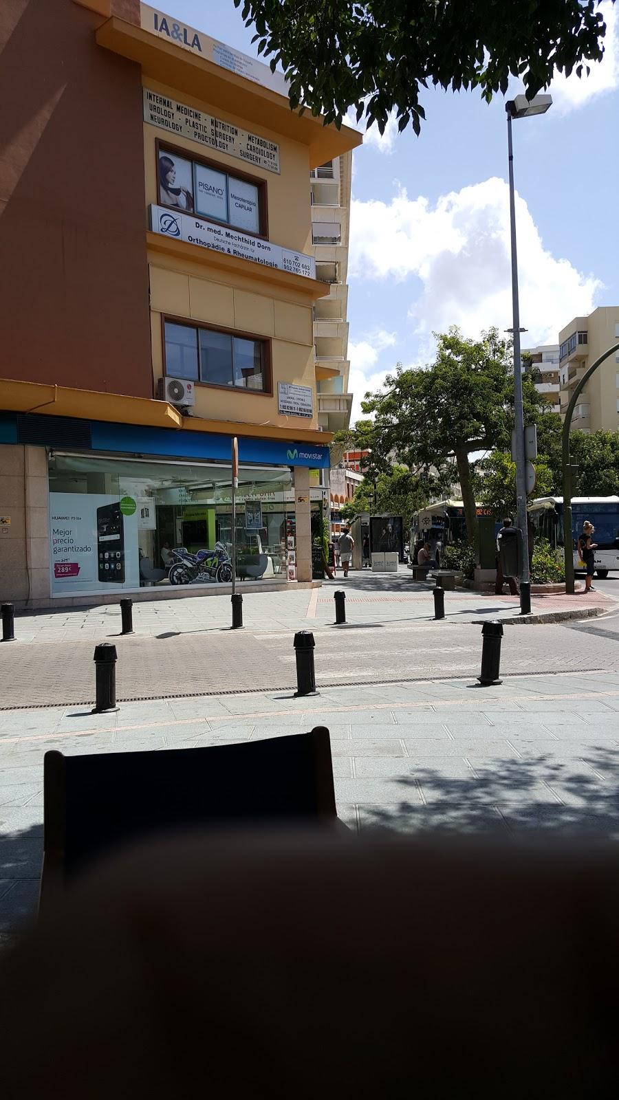Alquiler de coches de 7 o 9 plazas en m0e1laga aeropuerto - solo ibiza