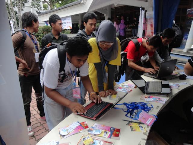 #OblongMerahMuda HUT ke 4 Blogger Ngalam | Registrasi