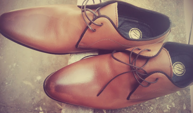 Dress Shoes for Fashion in Travel