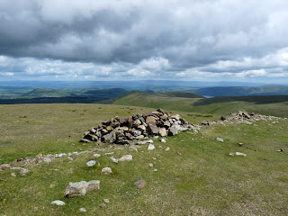 A shelter near the summit of Stybarrow Dodd.
