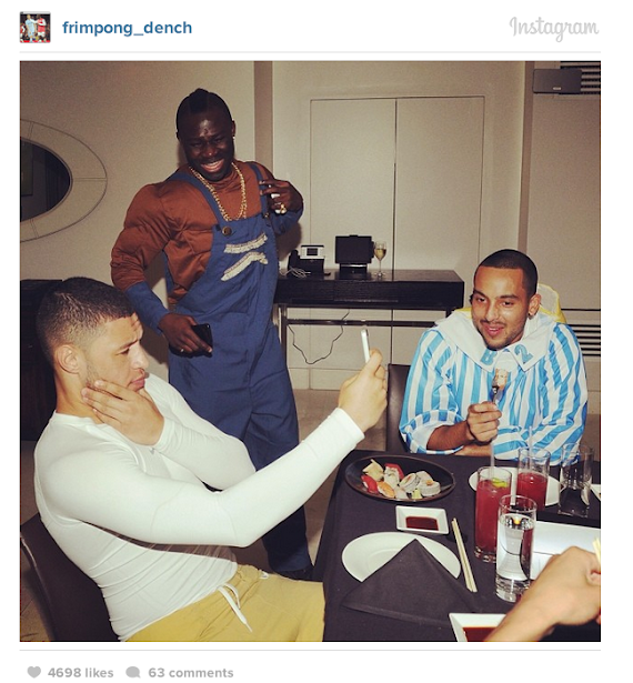 Screen+Shot+2014 01 07+at+16.36.41 Frimpong wishes Walcott a speedy recovery with picture from Arsenal fancy dress party