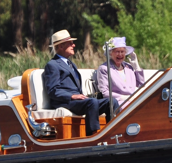 the queen on a boat