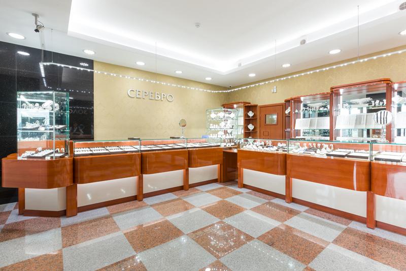Стали открываться первые фирменные магазины ведущего белорусского производителя ювелирных изделий - завод zorka