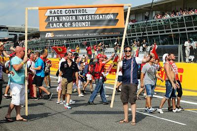болельщики негодуют по поводу звука моторов на Гран-при Италии 2014