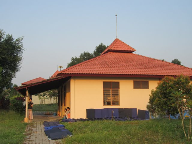 Mini Hall, Vipassana course, Gambang