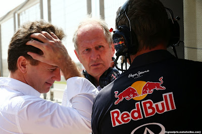 фэйспалмящий Кристиан Хорнер и Хельмут Марко на предсезонных тестах в Бахрейне 1 марта 2014