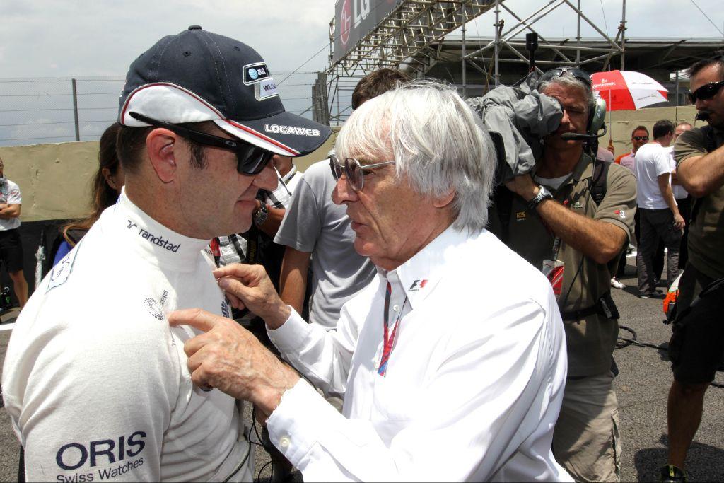 Рубенс Баррикелло и Берни Экклстоун на Гран-при Бразилии 2011