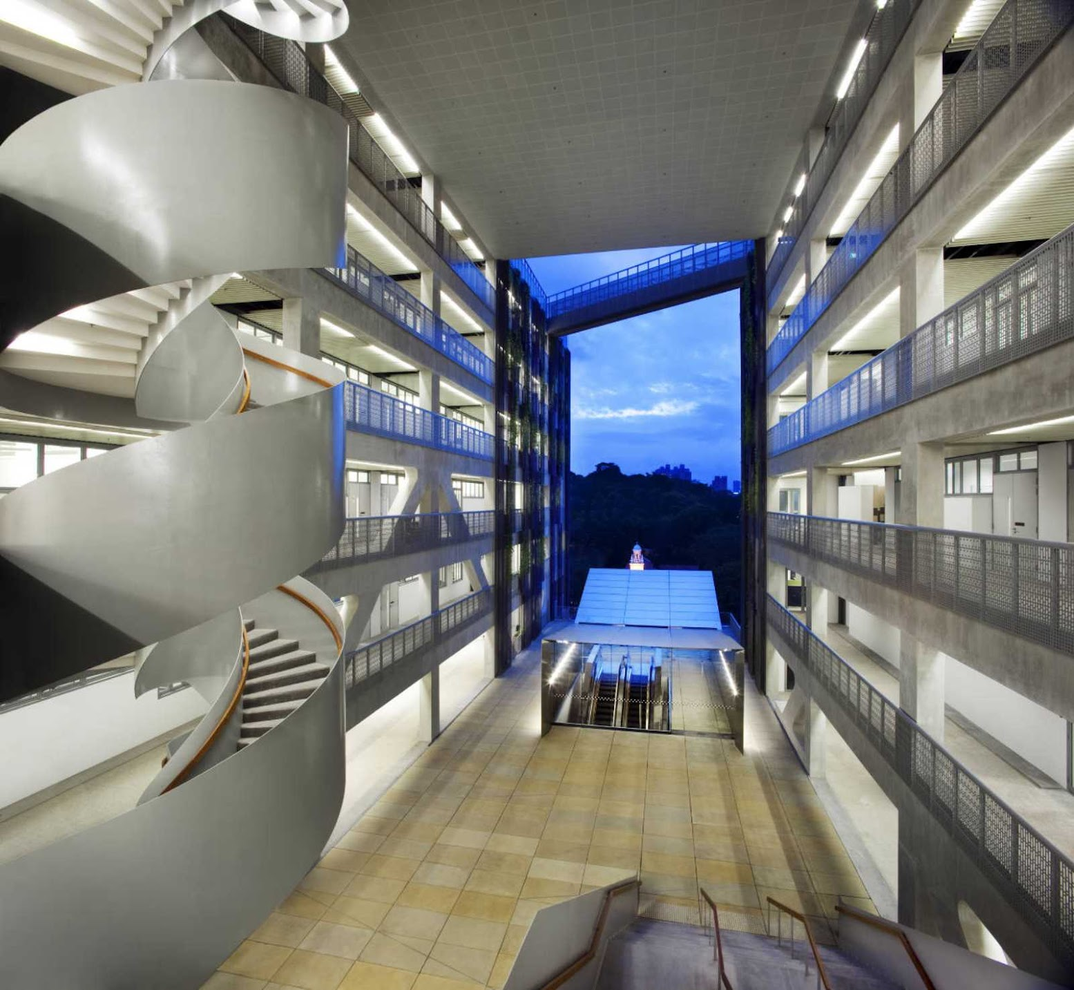 Singapore: [SCHOOL OF THE ARTS BY WOHA]