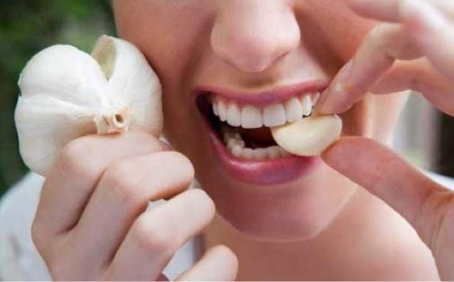 Petua tingkatkan imun sistem tubuh | Bawang putih mentah