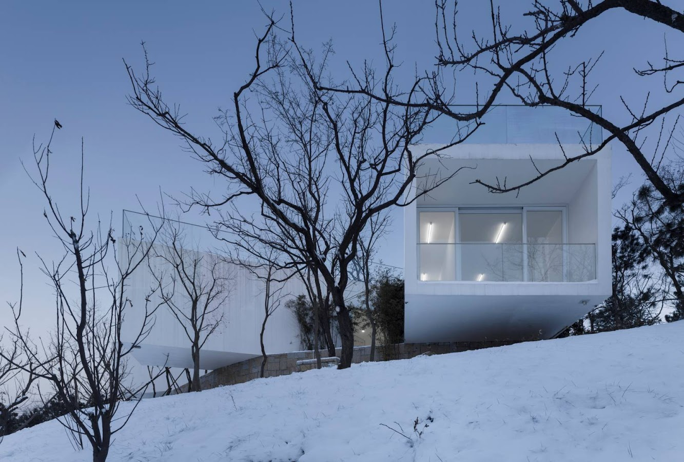 Weihai, Sciantung, Cina: Viewing Pavilion On Hill by Tao – Trace Architecture Office