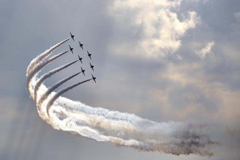 Красные Стрелы Королевских ВВС Великобритании в воздухе