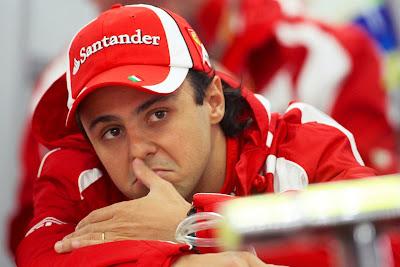 Фелипе Масса в боксах Ferrari на Гран-при Кореи 2011