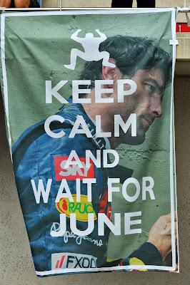 Keep calm and wait for June - баннер болельщиков в поддержку Марка Уэббера на трибуне Гран-при Кореи 2013