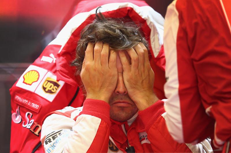 Фернандо Алонсо фэйспалмит на квалификации Гран-при Бельгии 2013