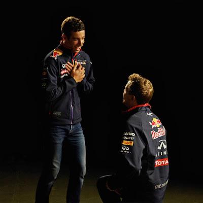 День Святого Валентина от Red Bull - Даниэль Риккардо и Себастьян Феттель