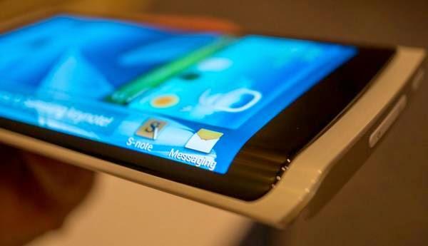 Galaxy Note 4, Bakal Dibekali Layar 3 Sisi