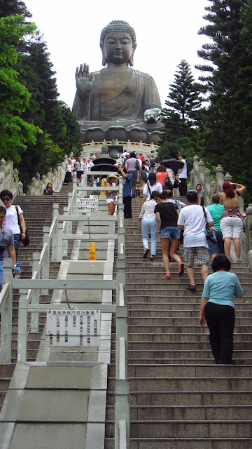 The Tian Tan Buddha.