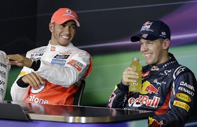 Льюис Хэмилтон и Себастьян Феттель на пресс-конференции после квалификации на Гран-при Сингапура 2012