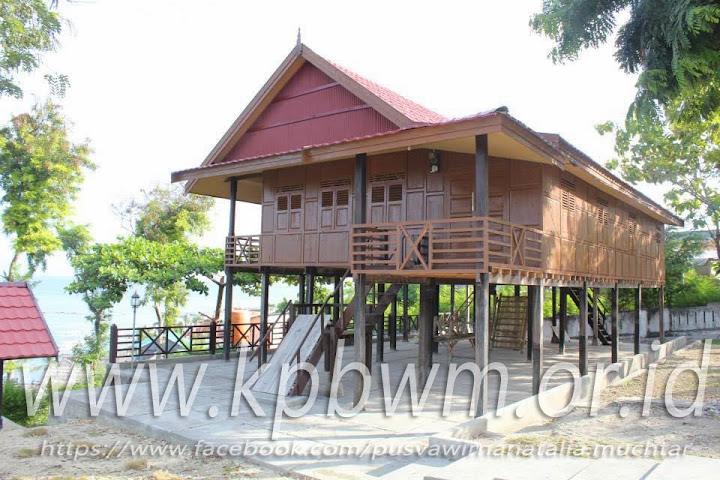 rumah singggah kompleks makam raja banggae majene