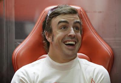сияющий радостью Фернандо Алонсо на Гран-при Индии 2013
