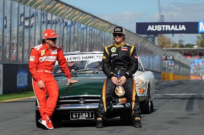 Фернандо Алонсо и Кими Райкконен на фотосессии чемпионов на Гран-при Австралии 2012
