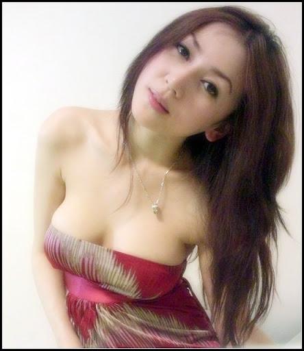 http://majalahkonyol.blogspot.com/2013/03/foto-tante-yang-lagi-kesepian-kasian.html