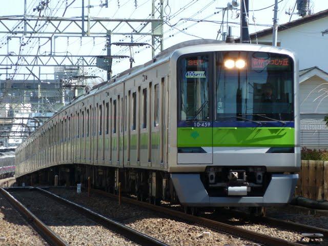 京王電鉄 各停 つつじヶ丘行き1 都営10-300形10両編成