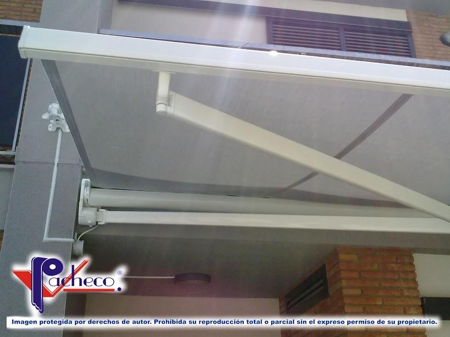 Toldos para terrazas en orba alicante modelos de for Precio toldo brazo extensible