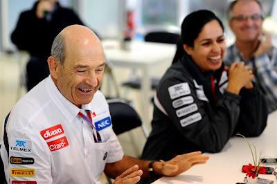 Петер Заубер и Мониша Кальтенборн в отличном настроении на Гран-при Кореи 2012