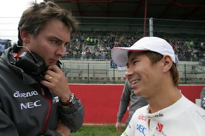 Джеймс Ки и Камуи Кобаяши на стартовой решетке Гран-при Бельгии 2011